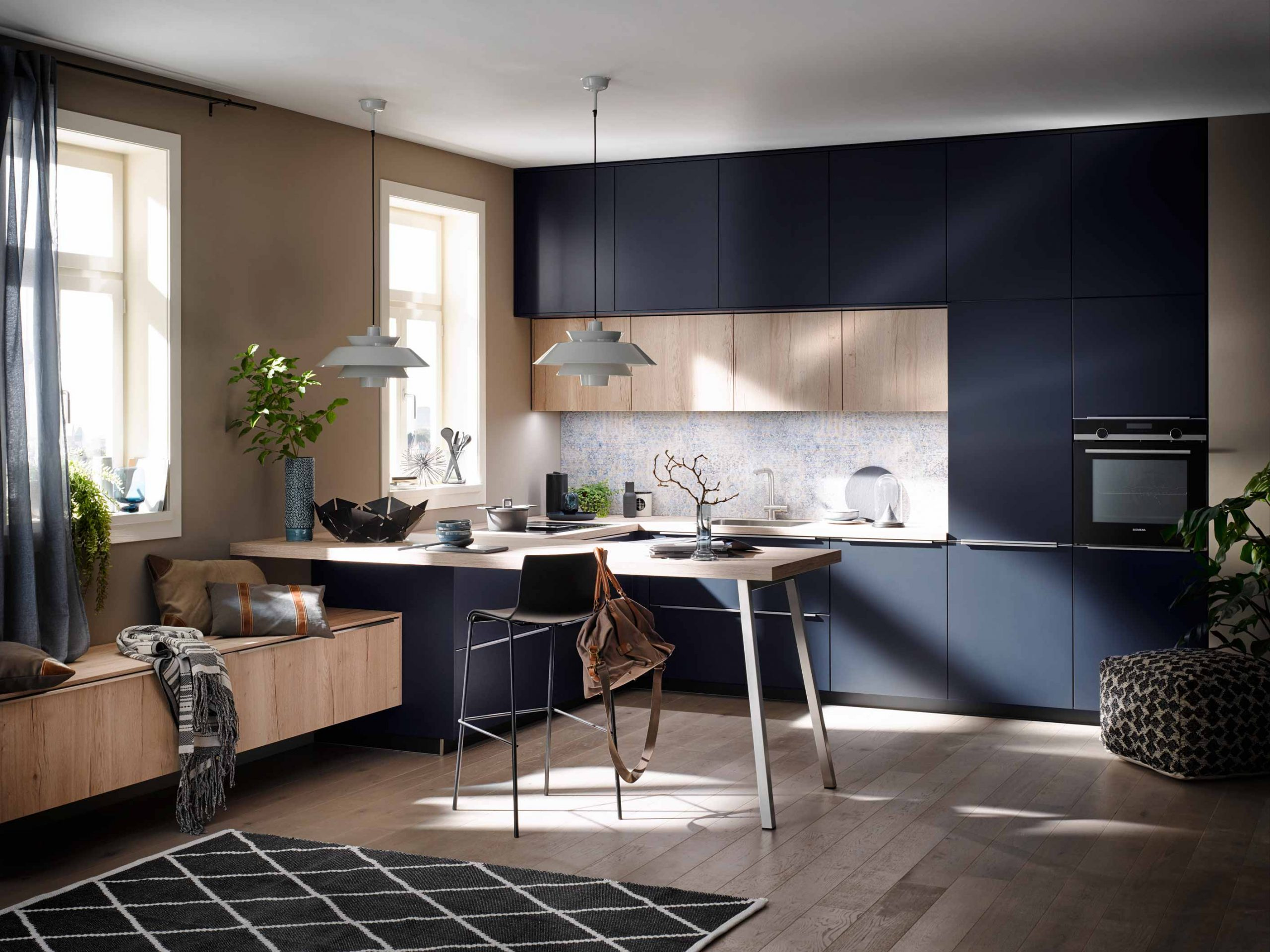 Velvet Blue lacquer